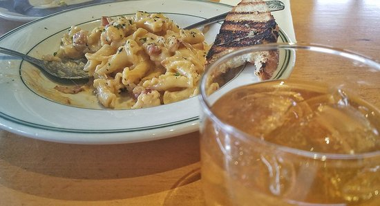 The Fish Peddler on Foss Waterway: Lobster Mac n Cheese.