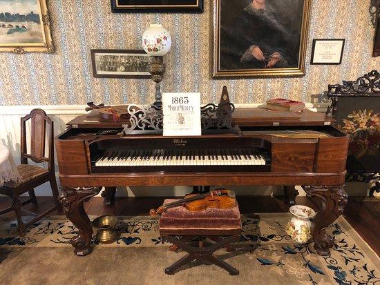 Sharpsteen Museum : Cottage Musical Instruments