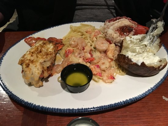 Red Lobster: Lobster platter