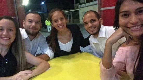 Cagua, Venezuela: noche de amigos despues de una jornada de trabajo