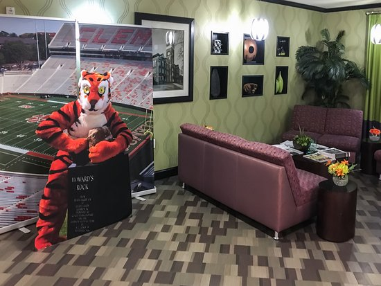 Holiday Inn Express Hotel & Suites Clemson - Univ Area: Lobby