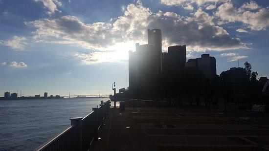 Detroit RiverFront: 20161002_175624_large.jpg