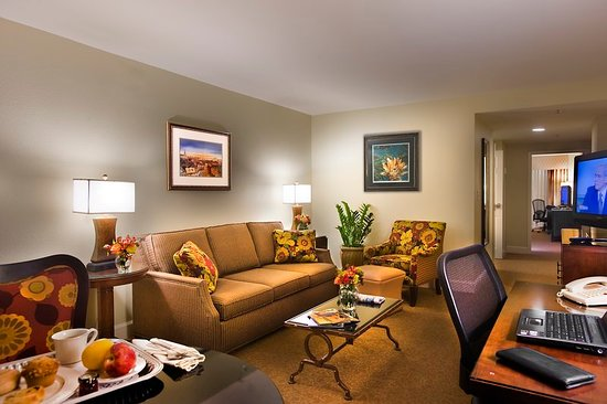 Crowne Plaza Hotel Astor New Orleans Updated 2018 Prices