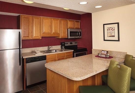 Vestal, NY: Guest room