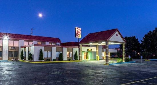 Muskegon Heights Inn & Suites: Exterior