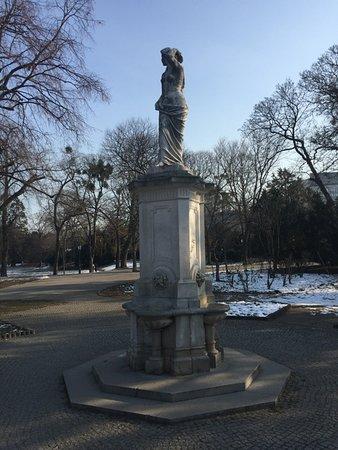 Donauweibchenbrunnen