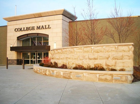 Bloomington, IN: College Mall