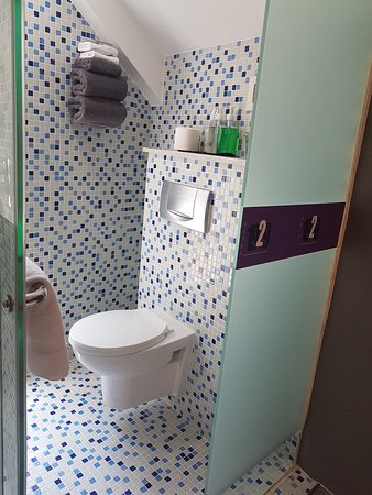 Hotel 1929: Suite with Terrace: Mini Bathroom