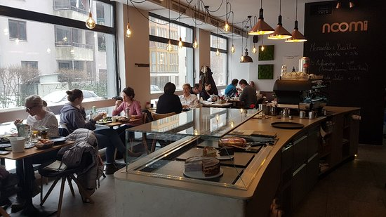 Noomi Cafe Deli