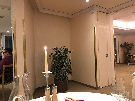 Hotel Seehof Davos: Direkte Aussicht von unserem Tisch im Speisesaal im Rest. Panorama im Hotel Seehof