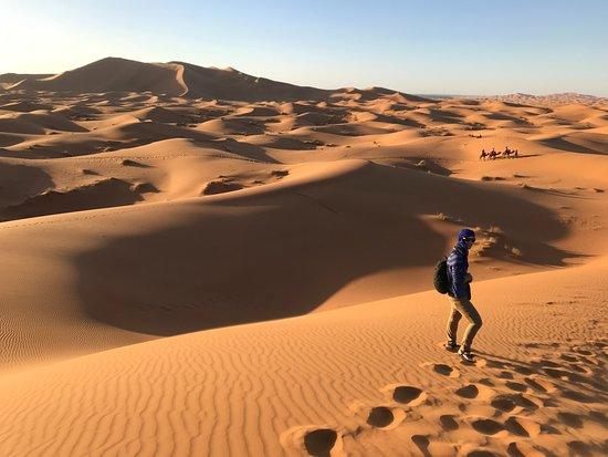 Palais des dunes: Dunas. Aquí paramos para ver el atardecer, antes de llegar al campamento.