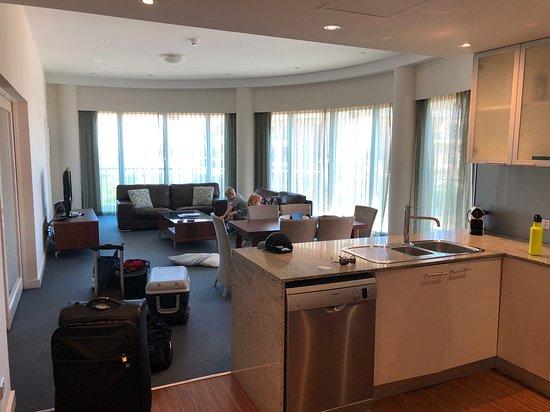 Seashells Mandurah: Huge apartment