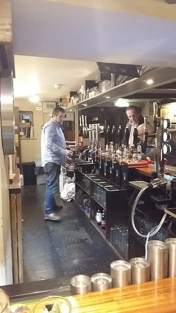 Timsbury, UK: Beer, wine, spirits, good food an amiable service