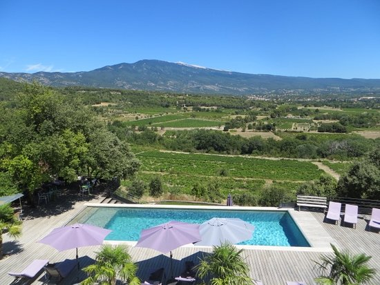 Crillon-le-Brave, France: View from our terrace with Mt Ventoux in the background