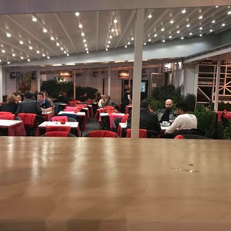 Bronshoej, Denmark: Danmarks bedste Café midt i København med Kæmpestor Gårdhave som kan bruges året rundt. Cafée ti