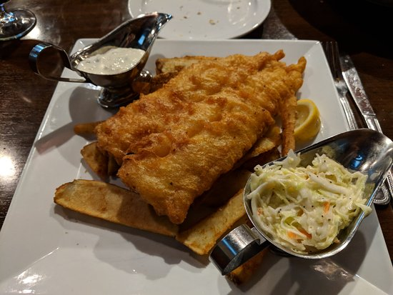 Franklin, MA: Fish & chips: fish is crispy & tasty; cole slaw is among best; chips were just okay