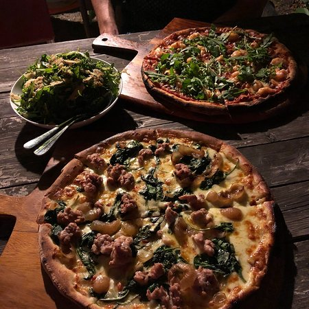 Bank Street Wood Fired Pizza and Gardens: photo1.jpg