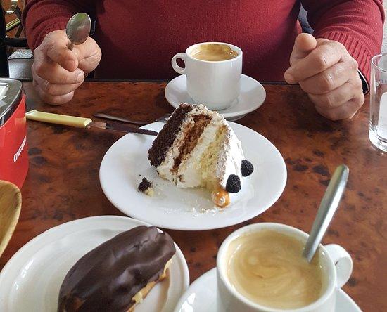 Orgiva, España: Nuevo pastel de tres bizcochos que probé el otro día