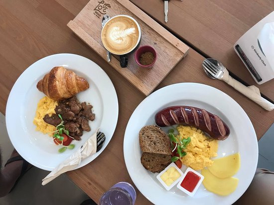 Love Bread Cha-am: Our Brunch