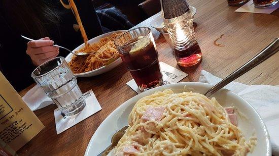 Strombeek-Bever, Belgium: 2 borden spaghetti