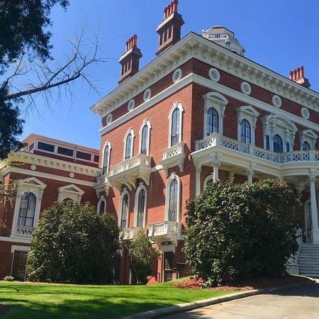 Landmark Fine Homes Reviews