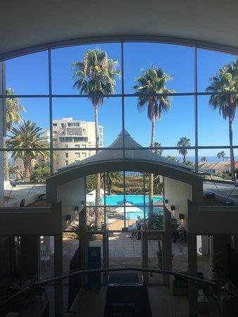 Κόλπος Bantry, Νότια Αφρική: View from the lifts overlooking the pool.