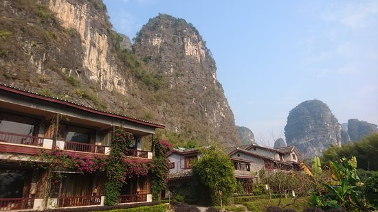 Yangshuo Mountain Retreat : Hotel grounds