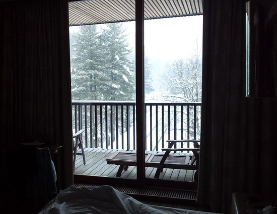 Hotel Balnea Superior: a view from the bed over the balcony