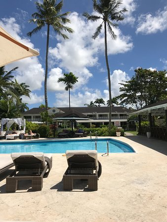 Holetown, Barbados: Pool area