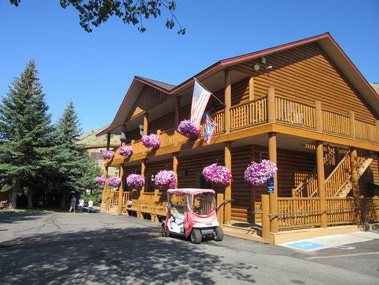 Cowboy Village Resort: Reception building