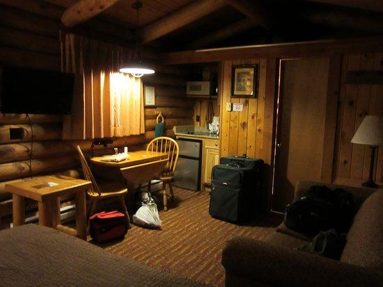 Cowboy Village Resort: Inside cabin
