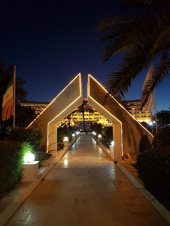 Shayan Kish Hotel: 20180303_183109_large.jpg