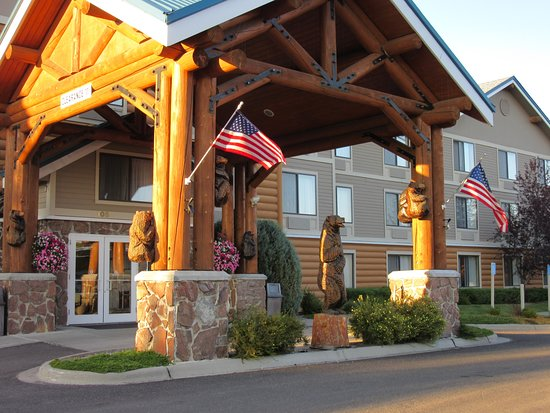 ClubHouse Inn West Yellowstone: Hotel entrance