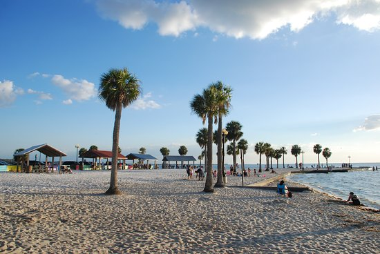 Closest Hotels To Pine Island Park