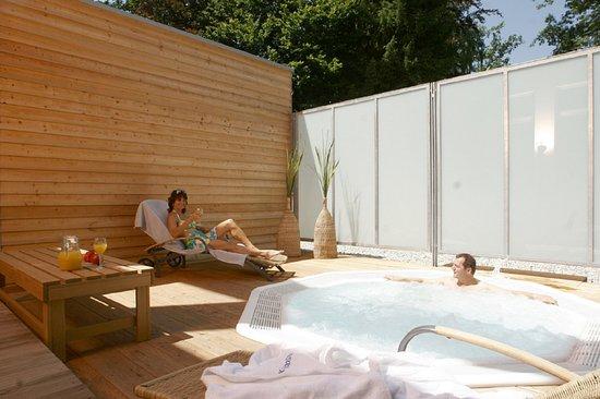 Kneippianum Kneipp & Gesundheitsresort: Whirlpool in unserer Sauna