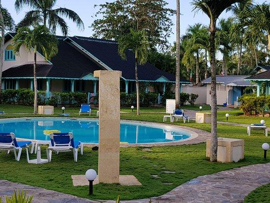 Piscina y jardines del hotel picture of hotel villas las palmas al mar las terrenas tripadvisor - Piscina las palmas ...