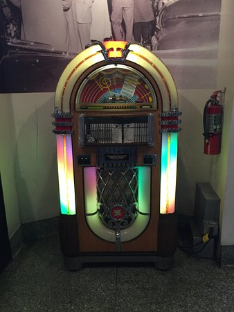 Mini Jukebox - Picture of Mel's Drive-In, Los Angeles - TripAdvisor
