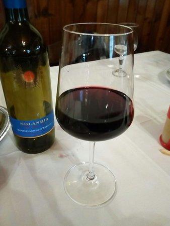 Bicchiere Di Vino Rosso Montepulciano D Abruzzo Solandia Picture Of Il Rustico Alife Tripadvisor