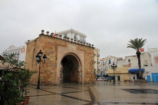 Bab El Bhar: front view