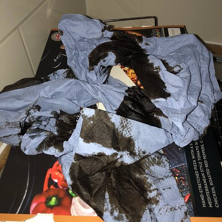 Callander, UK: These are the pictures of the faulty door and the dirty glasses, dirty hot & kitchen paper we cl
