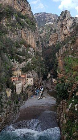 Fiordo di Furore, Italy: מבט מהגשר