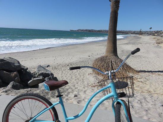 Dana Point, CA: Coaster bike along path to San Clemente