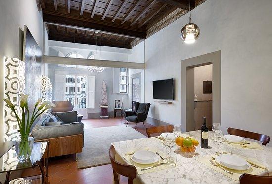 Palazzo Antellesi: Paradiso apartment in Santa Croce square