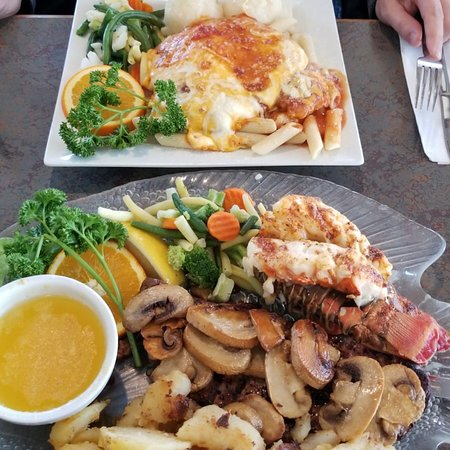 Wasaga Beach Food Guide: 10 Must-Eat Restaurants & Street Food Stalls in Wasaga Beach