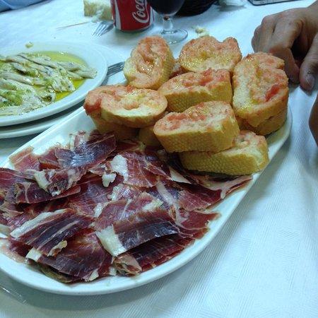 Restaurante bar lucena en tarragona con cocina otras cocinas espa olas - Cocinas en lucena ...