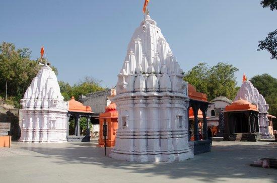 Rajarajeshwara Temple: -----
