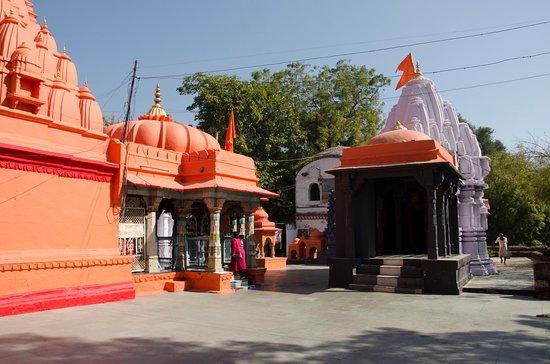Rajarajeshwara Temple: ------