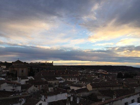Mirador de la Iglesia: Con vistas al Castillo