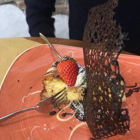1250 Ristorante Pizzeria: Cheescake cioccolato e cioccolato bianco! Un esplosione di gusto! Provatelo!