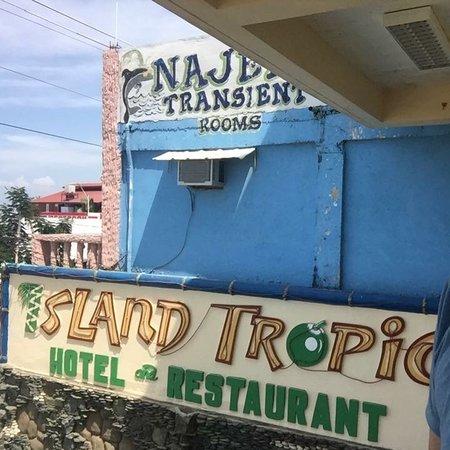 Island Tropic Hotel & Restaurant: photo0.jpg